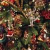 Елочные игрушки и свечи от российских производителей для нового года.